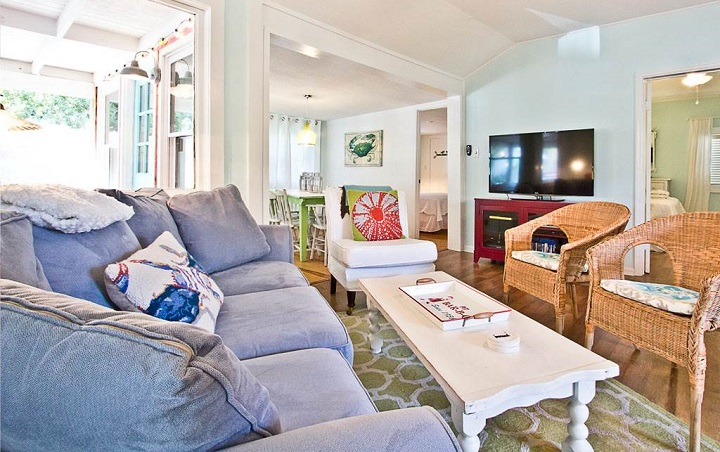 Blue Crab Cottage living room