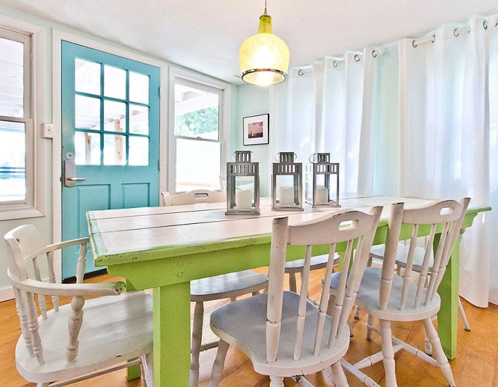Blue Crab Cottage dining room