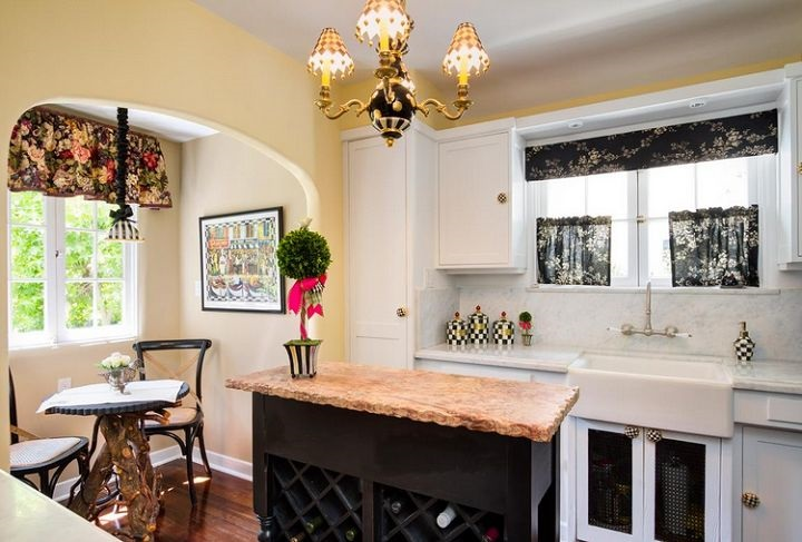 Carmel by the Sea - Kitchen and Breakfast Nook