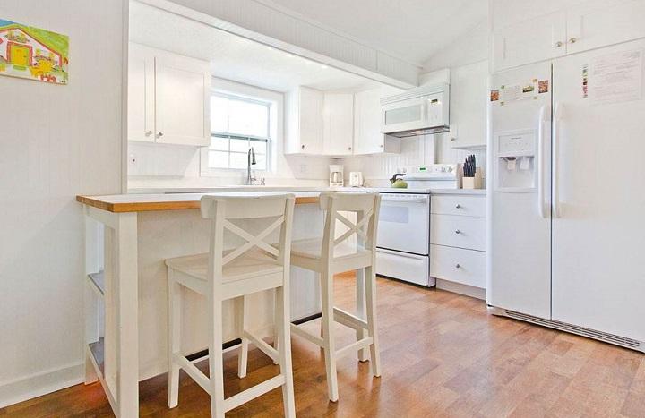 Blue Crab Cottage kitchen