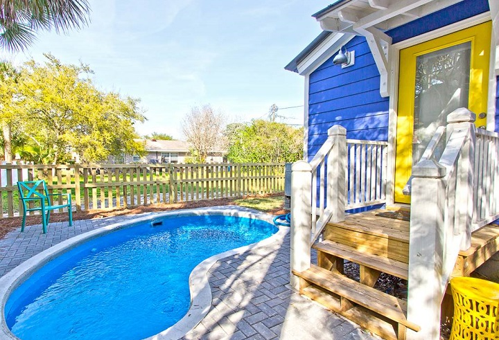 Blue Crab Cottage pool