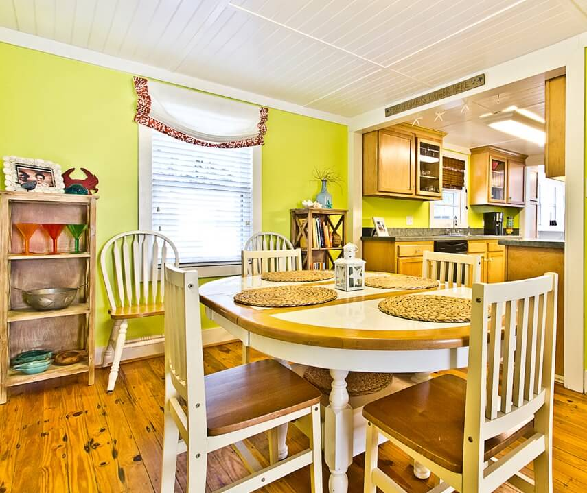 Mellow Yellow Cottage Dining Area