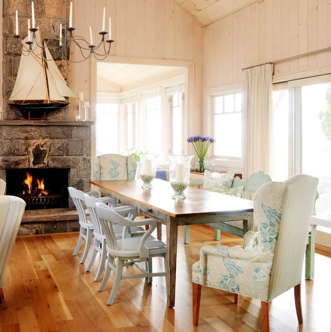 Sarah's Summer House Dining Room