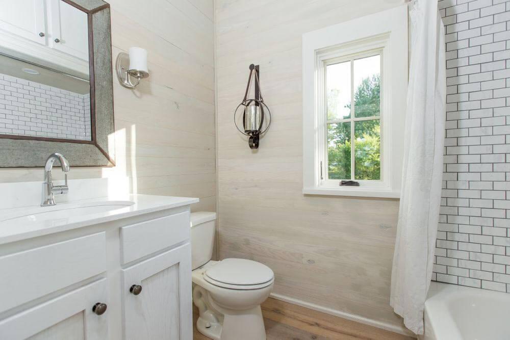Beachy Saltbox Bathroom