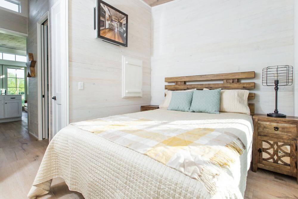 Beachy Saltbox Bedroom