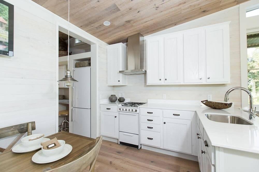 Beachy Saltbox Kitchen