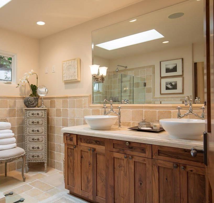 Camellia Cottage Bathroom 1