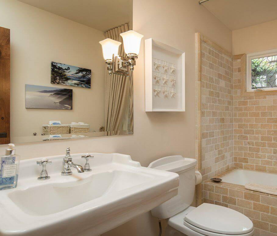 Camellia Cottage Bathroom