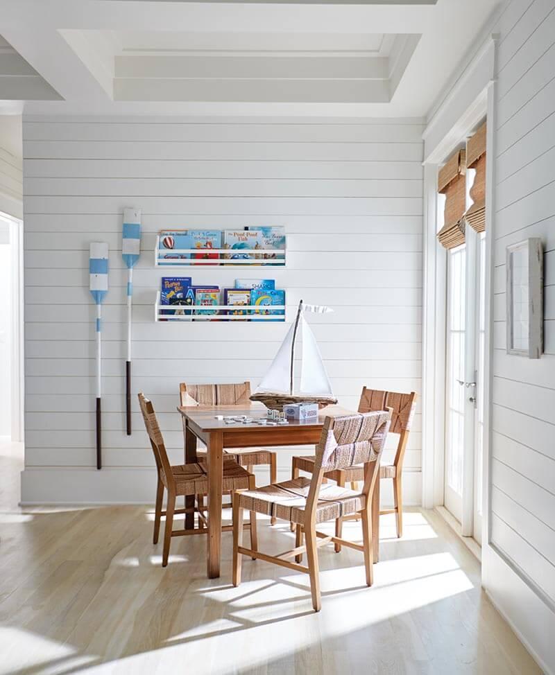Blue Mountain Sunny Corner Living Area