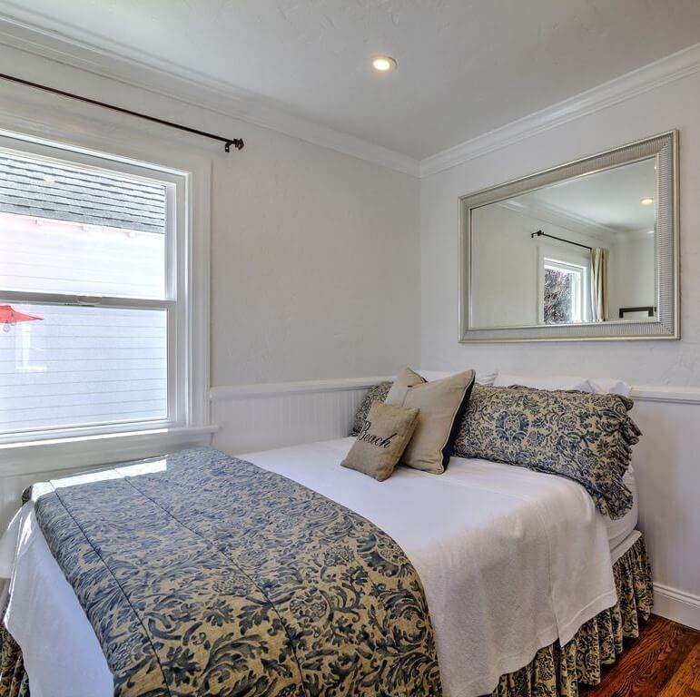 Charming Balboa Island Downstairs Bedroom