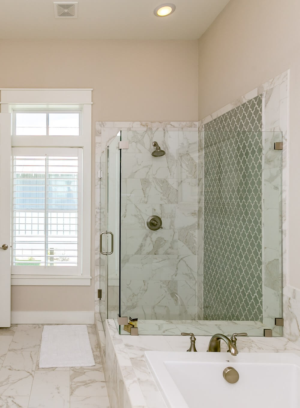 Port Aransas Coastal House Master Bathroom