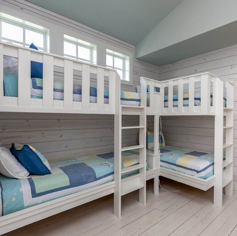 Amazing Grace Twin Bunk Beds