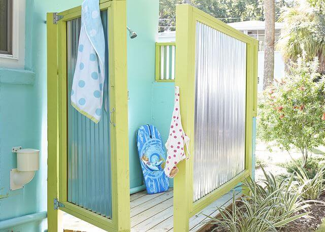 The Coral Cottage Outdoor Shower