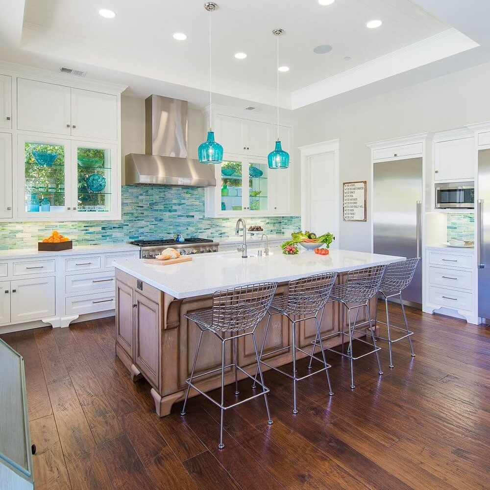 23 Best Cottage Kitchen Decorating Ideas And Designs For 2020: Best Coastal Kitchens Beach Decor Ideas For 2020