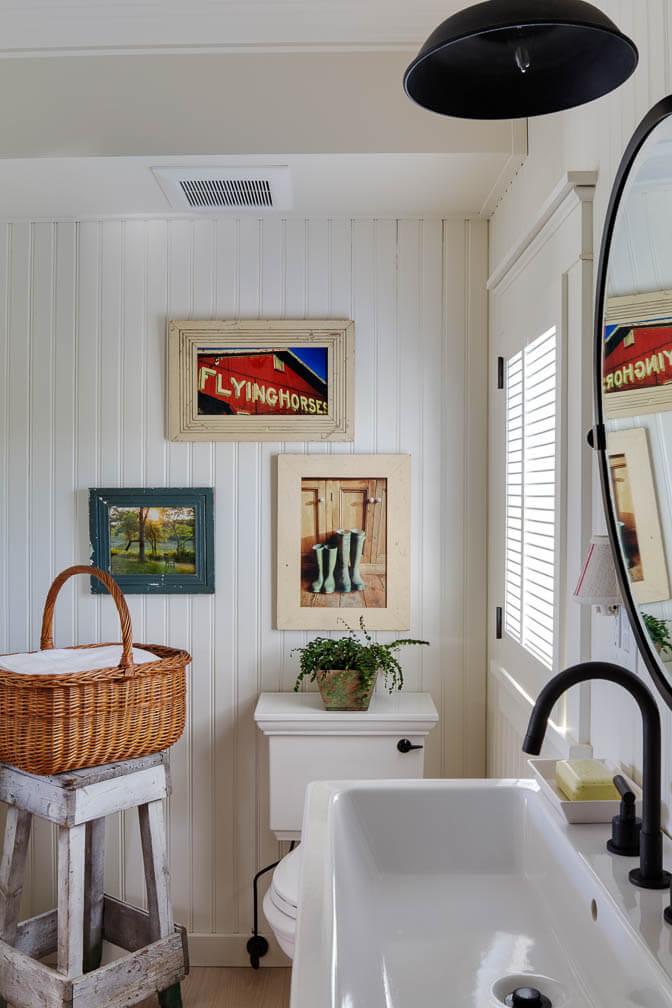 Martha's Vineyard Private Beach Cottage Guest House Bathroom