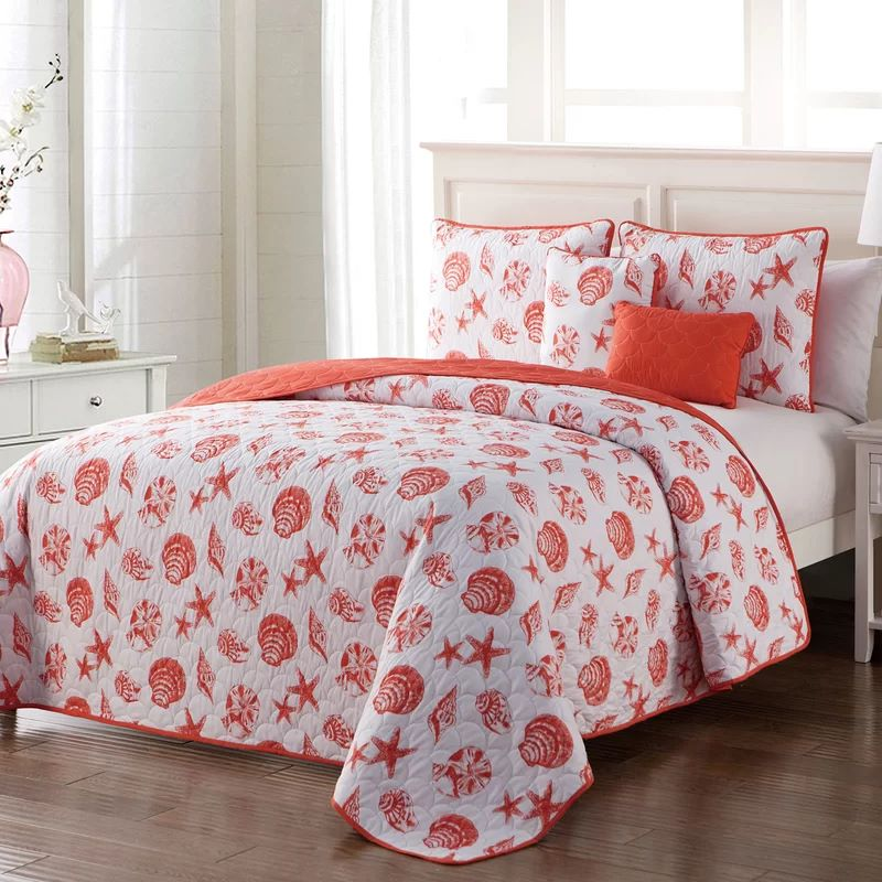 Glendive 4 Piece Reversible Quilt Set