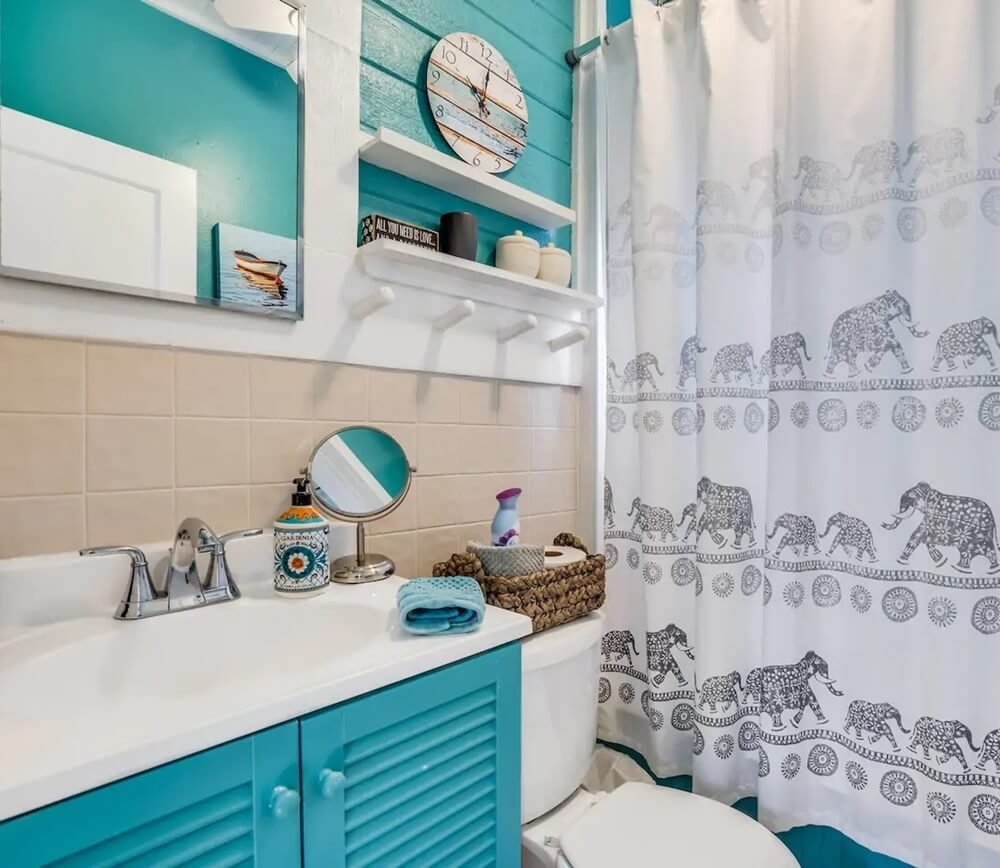 Lake Worth Florida Beach Cottage Bathroom