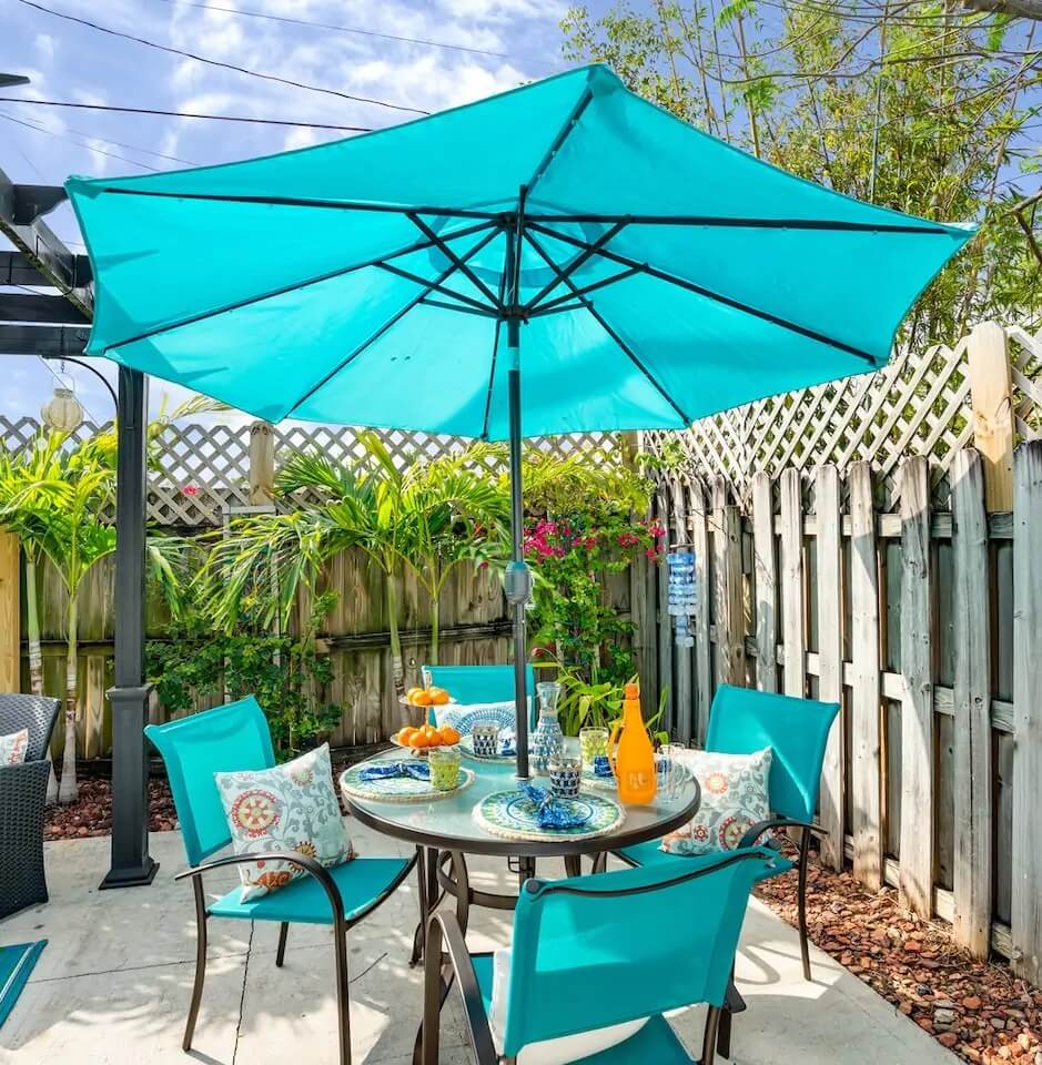 Lake Worth Florida Beach Cottage Patio Dining
