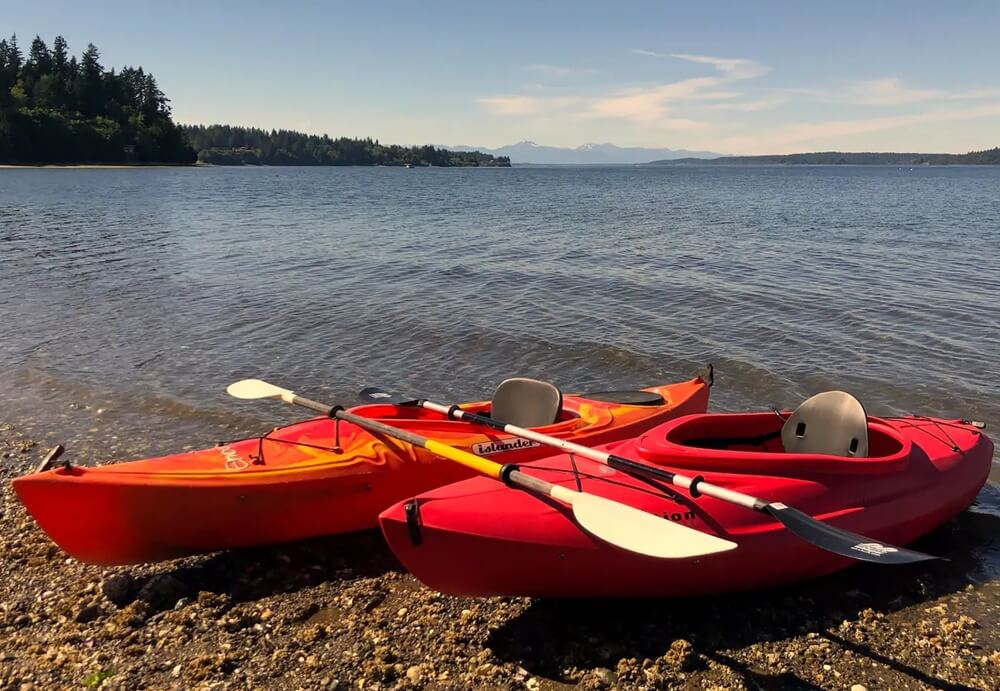 Olympia Tiny Beach House Kayaks