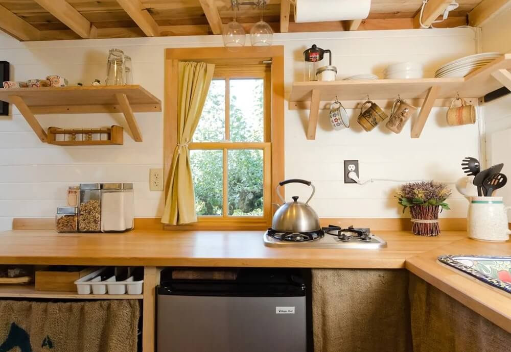 Olympia Tiny Beach House Kitchen