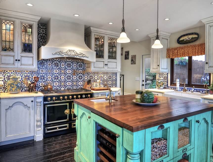 Historic Laguna Beach Home Kitchen