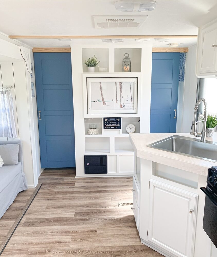 Four Winds Budget Vacation Home Kitchen